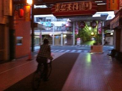 走る自転車.JPG